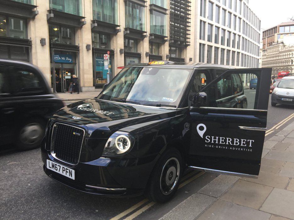TXE Electric Taxi – LL18 XJD in London