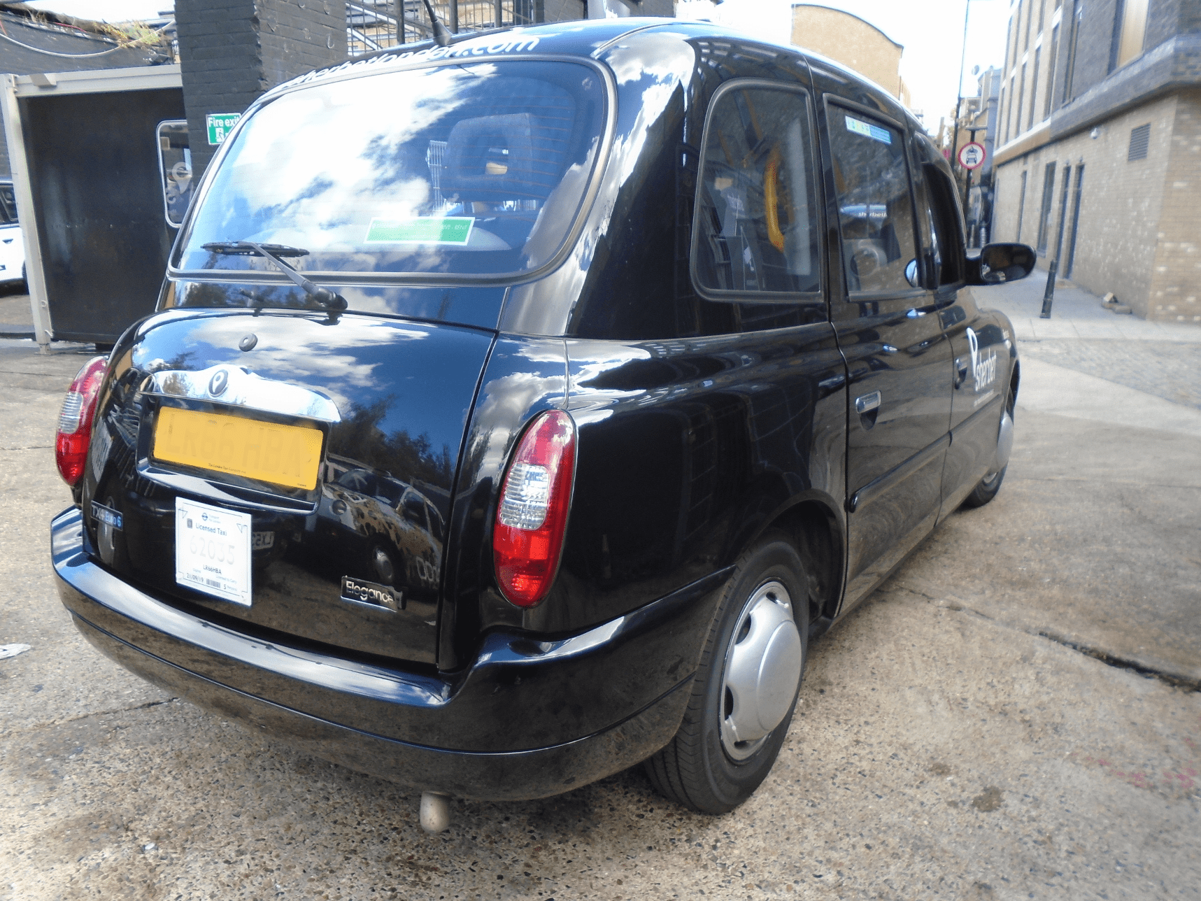 Rear View of Sherbet London TX4 Elegance – Euro 6 – LR66 YLG